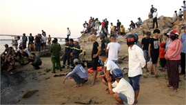 Vụ lật thuyền trên sông Thu Bồn: Đã tìm thấy thi thể một nạn nhân