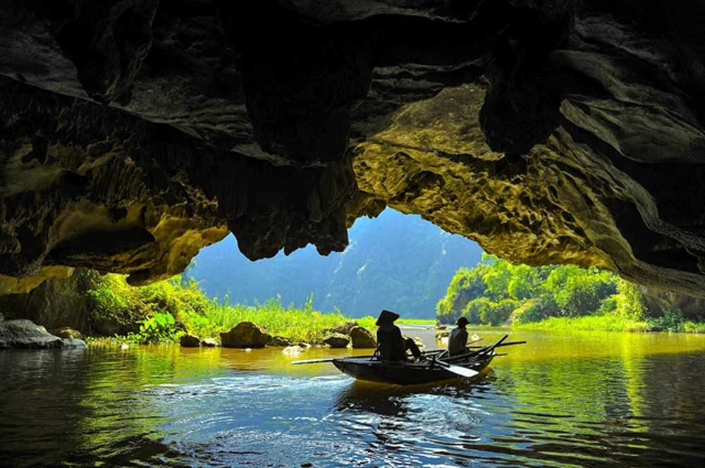 Peace for the soul, Tam Coc Scenery Complex, most beautiful cave complexes, rice fields, romantic and magnificent scene,