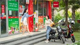 VinFast khuyến mại khủng: Ưu đãi 2.020 khách mua xe máy điện, miễn phí thuê bao pin một năm