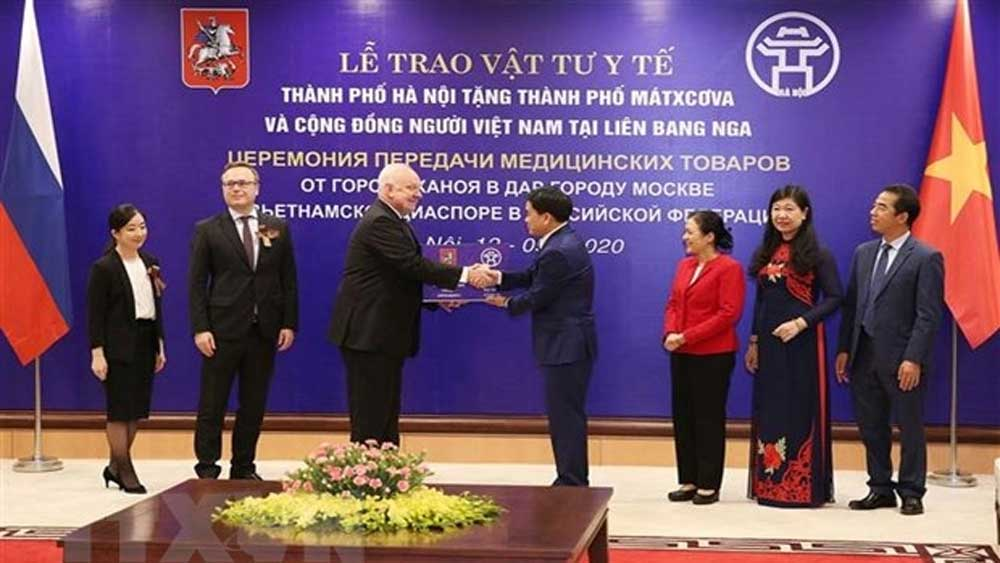 Hanoi provides medical supplies to help Moscow cope with Covid-19