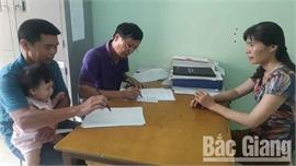 10 người dân xã Phương Sơn (Lục Nam) đề nghị nhường phần hỗ trợ do ảnh hưởng của dịch Covid-19 cho người khác