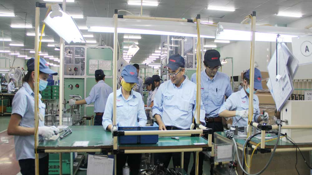 Bac Giang province, enterprises' difficulties, immigrating foreign labourers, Covid-19 outbreak, foreign labourers, industrial parks