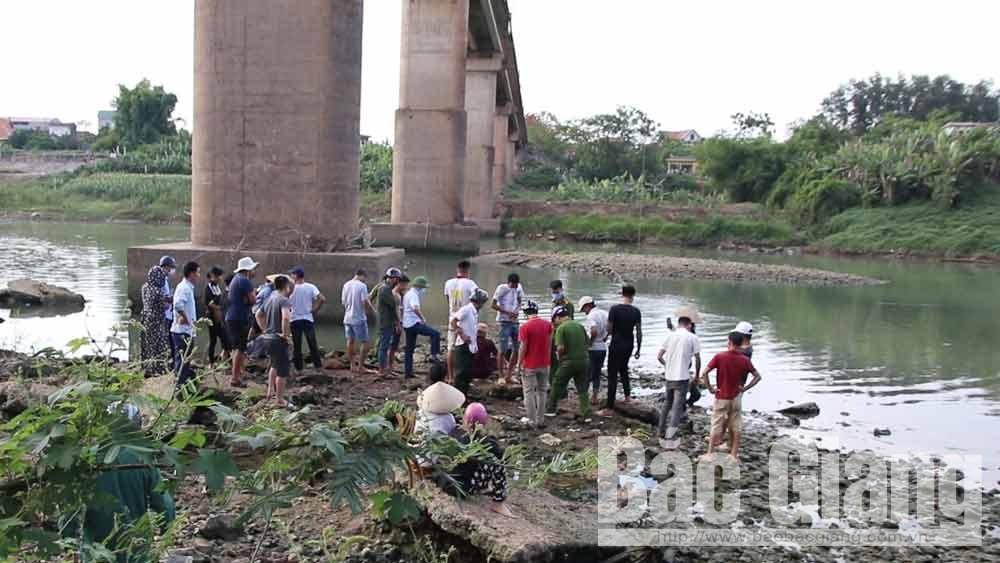Lục Ngạn: Phát hiện thi thể 1 nam thanh niên tại khu vực cầu Chũ