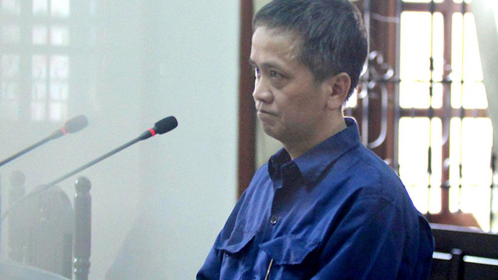 Bị cáo Dũng thừa nhận hành vi dâm ô các bé gái tại tòa hôm nay.