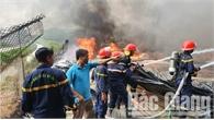 Bắc Giang: Cháy lớn tại kho phế liệu và lò ấp trứng của người dân