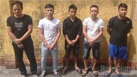 Bắc Giang: Thuê nhà nghỉ để đánh bạc, 5 đối tượng bị tạm giữ