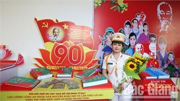 Trung tá Phạm Thị Ngát: Tâm huyết qua từng trang viết