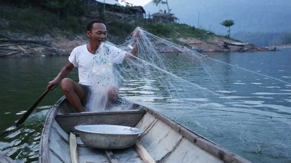 Man spends 15 years on hydropower islet