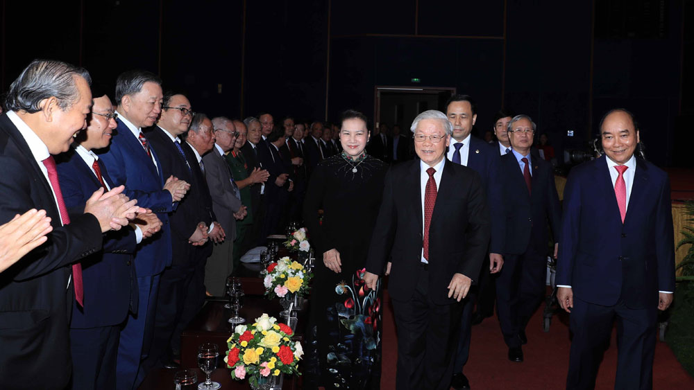 Tổng Bí thư, Chủ tịch nước Nguyễn Phú Trọng cùng các đồng chí lãnh đạo Đảng, Nhà nước tham dự Lễ kỷ niệm.