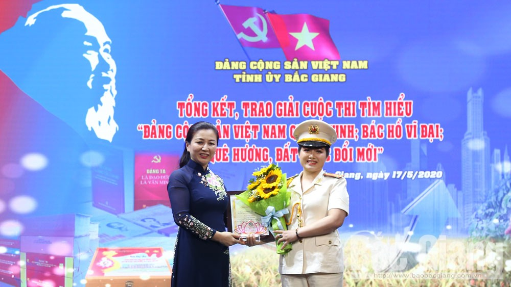 Winners of contest, Communist Party of Vietnam, Uncle Ho, honoring ceremony, Glorious Communist Party of Vietnam, meaningful activities, 130th birth anniversary