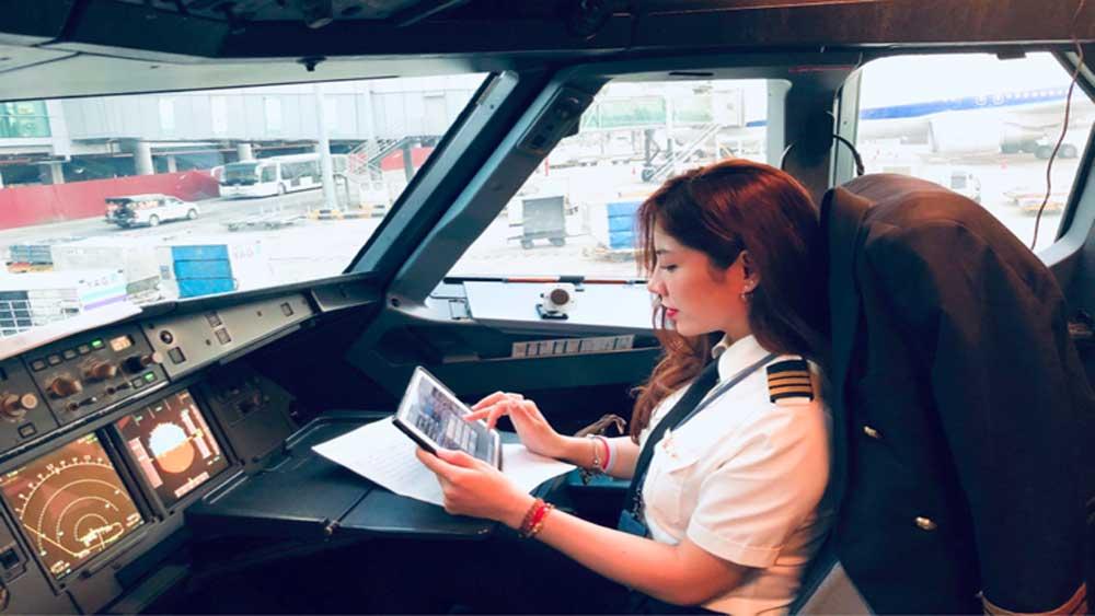 Truyền thông Trung Quốc, hết lời khen ngợi, nữ cơ phó xinh đẹp, người Việt, Võ Hồng Hạnh, phi công đẹp nhất Việt Nam