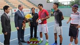 """Lý Hoàng Nam sẽ được nhận gói """"cứu trợ"""" của quần vợt thế giới?"""