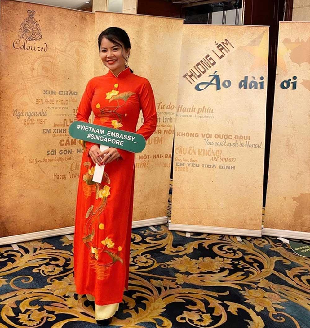 Du học sinh 9x, thành thạo 3 ngoại ngữ, dạy tiếng Anh, cho người lao động, Nguyễn Thị Thương, đam mê hoạt động xã hội, quảng bá văn hóa Việt Nam