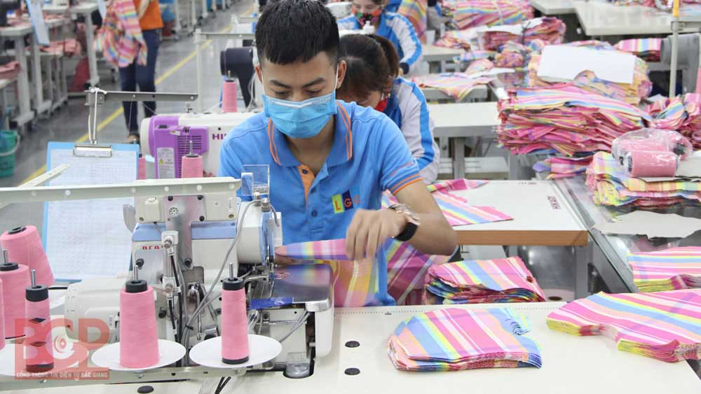 Bac Giang closely accompanies businesses to overcome difficulties