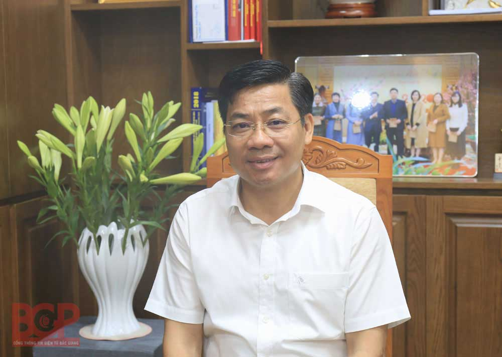 Bac Giang province, accompanies businesses, overcome difficulties, Covid-19 pandemic, several impact,  business and production, new wage of investment, double task