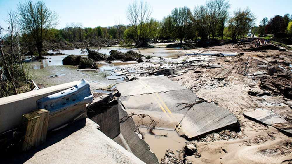 Michigan, vỡ đập, Covid-19, lũ lụt nghiêm trọng nhất trong 500 năm, mưa lớn gây vỡ đập