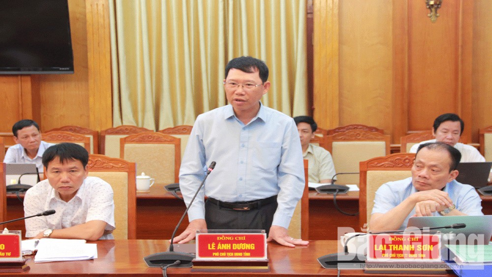 Chairman, provincial People's Committee, Duong Van Thai, removing difficulties, facilitating production and business, Bac Giang province, Covid-19 outbreak