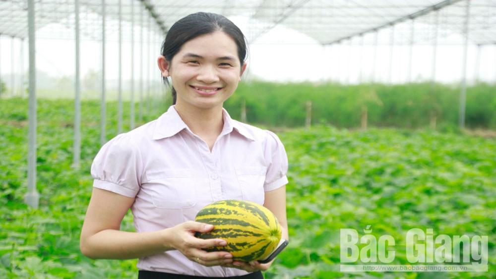 Chị Nguyễn Thị Thu Hằng, Hợp tác xã Nông nghiệp ứng dụng công nghệ cao Việt Yên, Bắc Giang