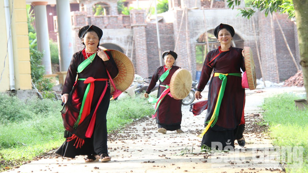 Bac Giang province, Tam Tang quan ho singing, love duet singing, Cau River,  traditional identity, cultural activity, Kinh Bac  region