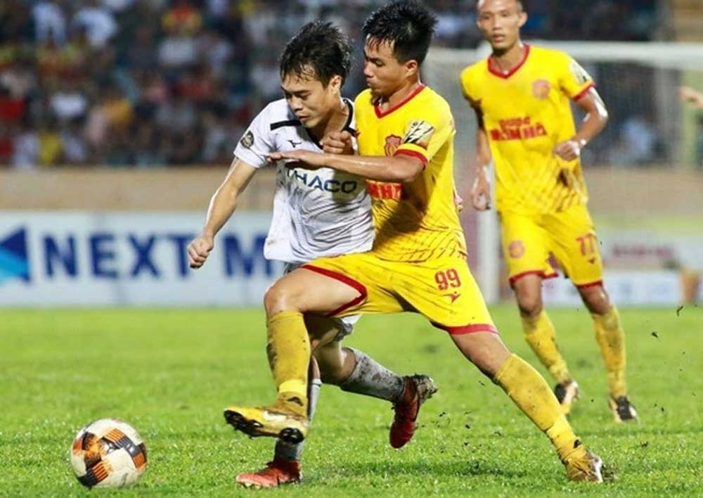 Vietnam, first in the world, resume normal football events, Nam Dinh FC, Hoang Anh Gia Lai, opening clash, fans in attendance, historic match