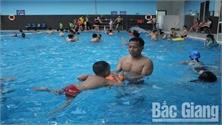 Bảo đảm an toàn tại các bể bơi Bắc Giang: Không chủ quan