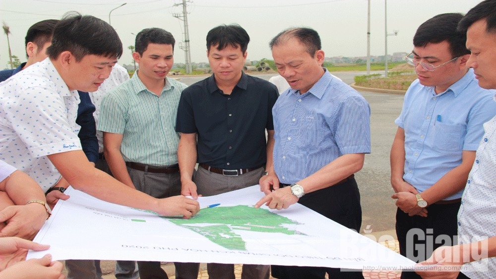 Bac Giang handles plane difficulties to quickly complete Hoa Phu industrial park
