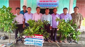 Bắc Giang: Trao vườn cây giúp hội viên nông dân nghèo