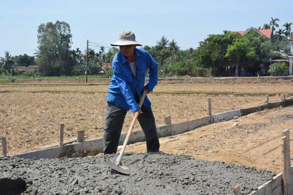 Lão nông 70 tuổi, góp 160 triệu, làm đường, cả xóm sững sờ, lão nông Lê Nhỏ, lao động để mưu sinh, công trình thế kỷ