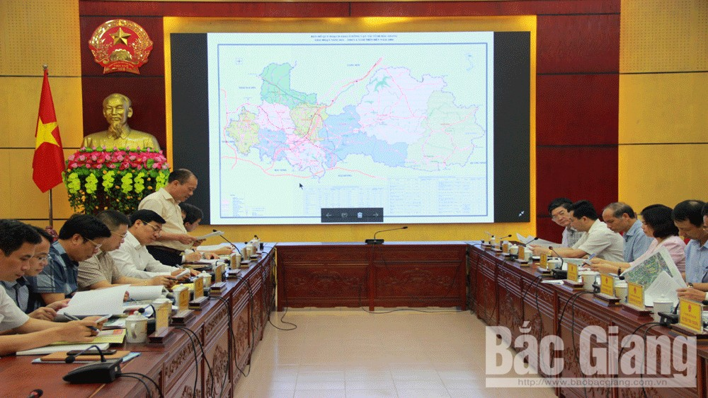 Bac Giang province, Bac Ninh province, enhance cooperation, mutual development, recent outstanding results, socio-economic development, bridge over Cau river