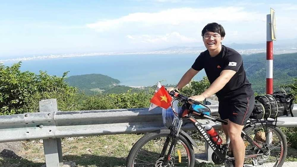 South Korean student, cycles across Vietnam, Bae Dong Il, local landscapes, transnational cycle trip, in-depth understanding