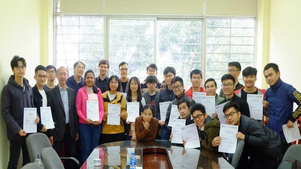 Đại học đầu tiên, Việt Nam, được tài trợ, đào tạo và học thuật quốc tế, Viện Điện tử- Viễn thông, Trường ĐH Bách khoa Hà Nội, Cơ quan trao đổi hàn lâm Đức