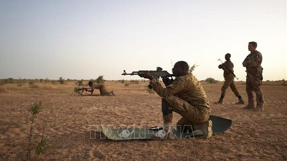 Burkina Faso, phần tử thánh chiến, xe viện trợ nhân đạo, bị phục kích, tấn công thánh chiến