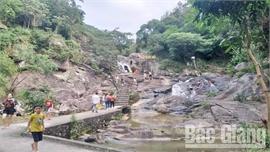 Bắc Giang: Khách đến Khu du lịch sinh thái suối Mỡ tăng trở lại
