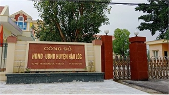 Bắt quả tang Phó Chủ tịch UBND huyện ở Thanh Hóa đánh bạc