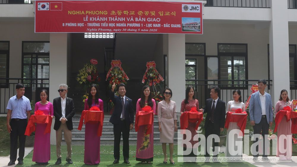 Handing over 8 classrooms for Nghia Phuong No.1 Primary School