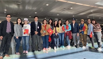 Vietnamese from Australia, New Zealand fly home