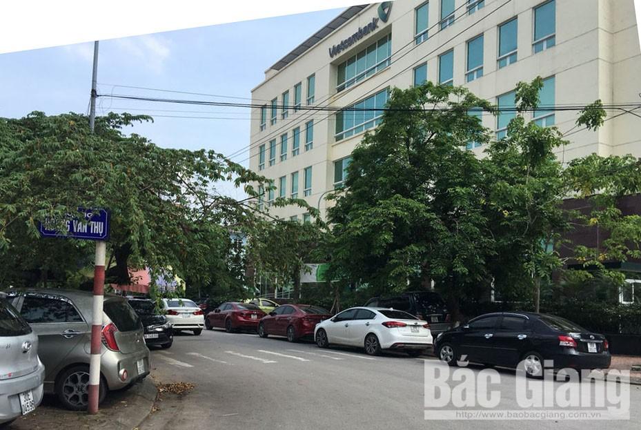 Ô tô đỗ dưới đường gây mất an toàn, che khuất tầm nhìn, TP Bắc Giang, Bắc Giang