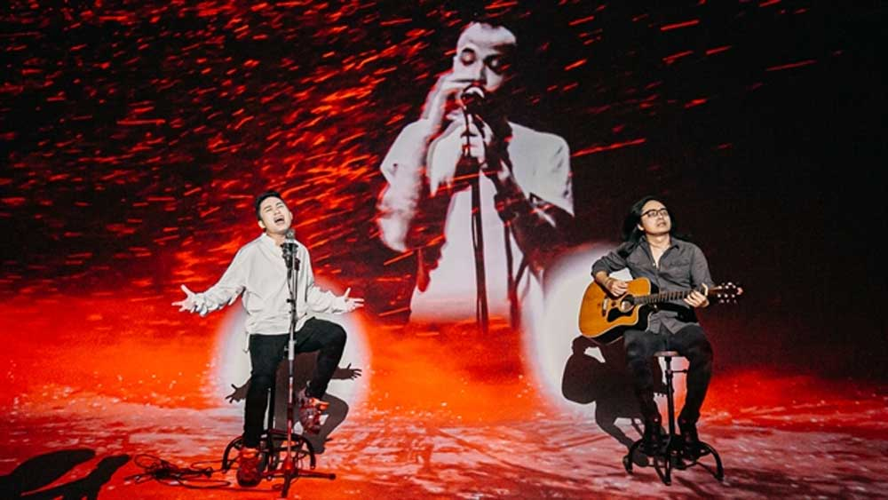 Divo Tung Dương reunites with late rocker in new music video