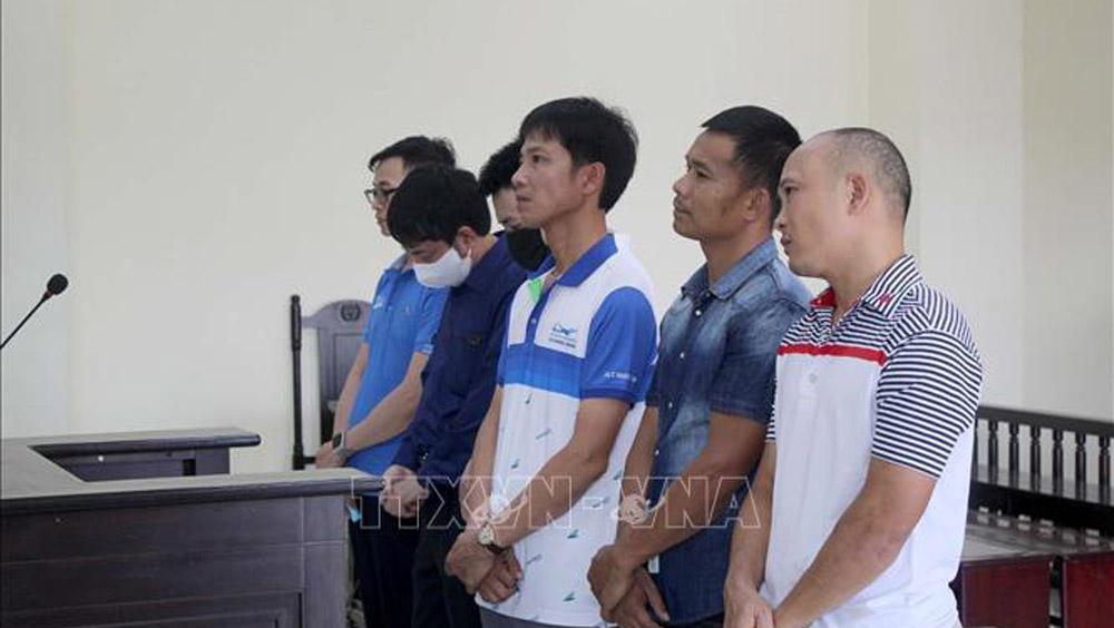 Nguyên Phó Giám đốc Sở Văn hóa Thể thao và Du lịch Thanh Hóa, Lê Văn Nam, lập khống quyết định tập huấn, lập khống danh sách VĐV