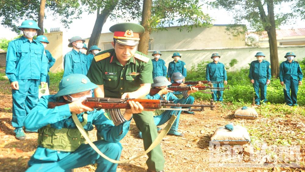 Thiếu tá Lê Văn Đương: Sát cơ sở để huấn luyện tốt