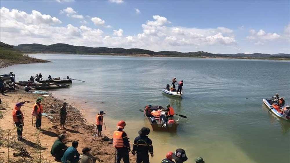 Lâm Đồng, tích cực tìm kiếm, hai học sinh mất tích, hồ nước sâu, đuối nước tại hồ thủy điện Đại Ninh, vòng xoáy của hồ