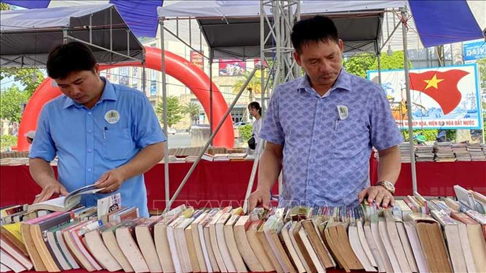 Vietnam book fair tour opens in Thua Thien – Hue province