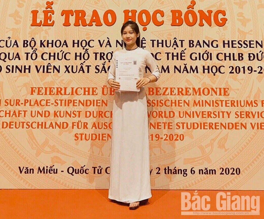 3 students, Bac Giang Ngo Gia Tu College, German scholarships, Bac  Giang province, Hessen State, International University Support, good academic result, volunteer activities