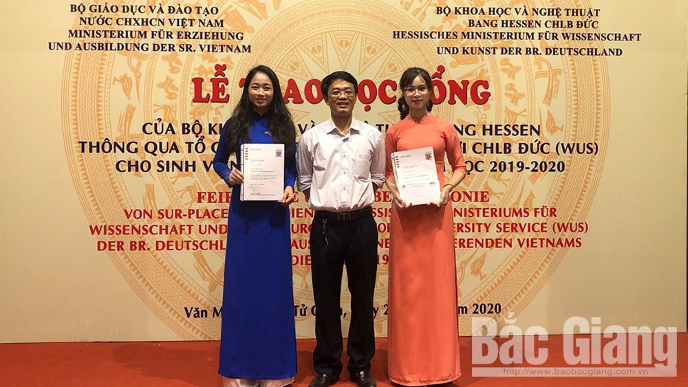 3 students at Bac Giang Ngo Gia Tu College granted with German scholarships