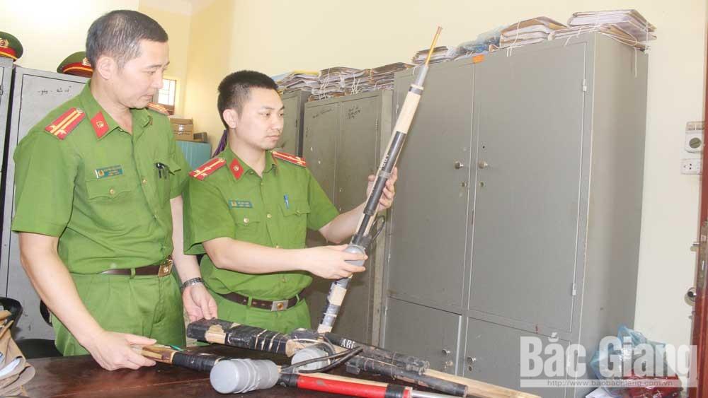Bắc Giang: Kịp thời phát hiện, thu hồi  vũ khí, vật liệu nổ