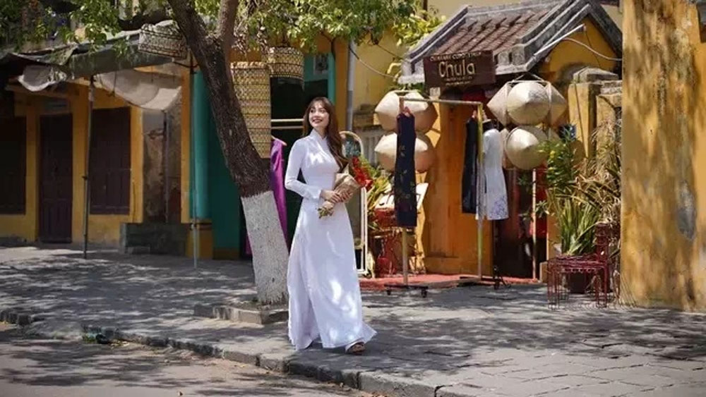 Music video showing Vietnam's best causes online sensation