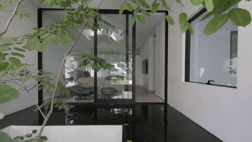 Vietnamese architect brings the outside inside, gains space