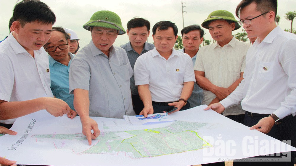 Secretary of the provincial Party Committee Bui Van Hai: Hiep Hoa district planning must be strategic and long-term