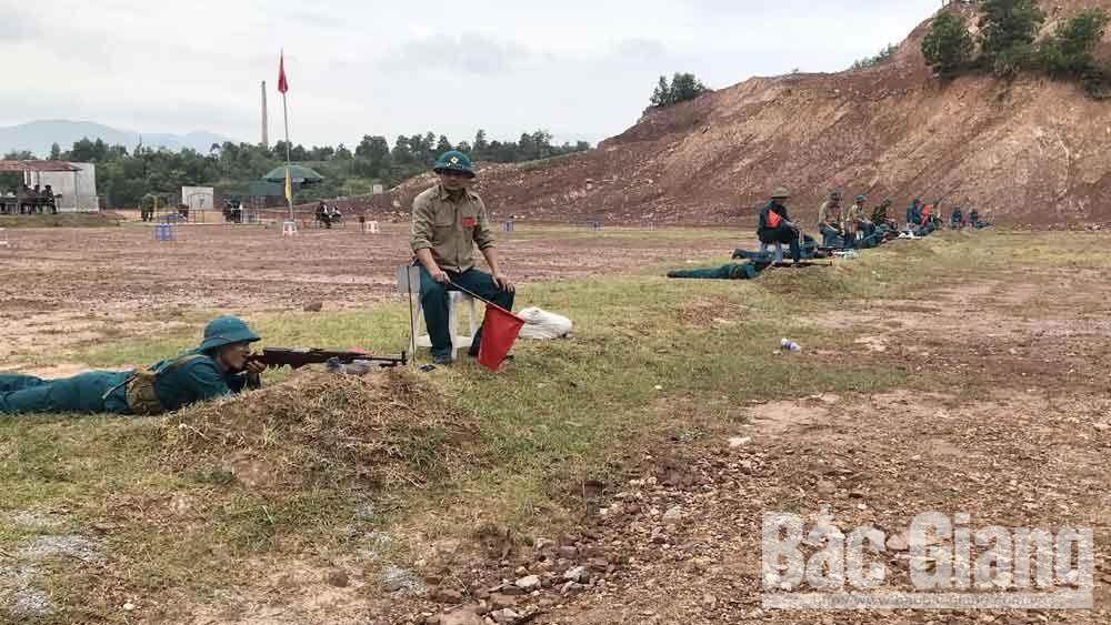 Lục Nam (Bắc Giang): Hơn 200 chiến sĩ dân quân năm thứ nhất tham gia kiểm tra bắn đạn thật