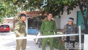 Tổ tự quản giữ bình yên thôn xóm